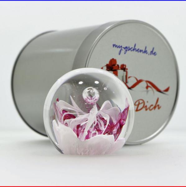 """Traumkugel Ø 7cm """"Rosa Blume im Schnee"""" Briefbeschwerer in Geschenkdose"""