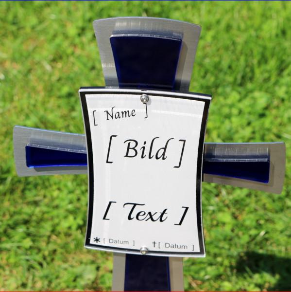 Edelstahl Kreuz mit blauen Akzenten